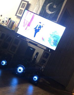 TCL roku 50 inch UHD smart TV with led speakers price negotiable for Sale in Stockton, CA