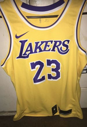 LeBron James Jersey Large for Sale in Los Angeles, CA