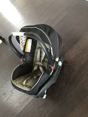 Graco infant rear facing car seat for Sale in Bothell, WA