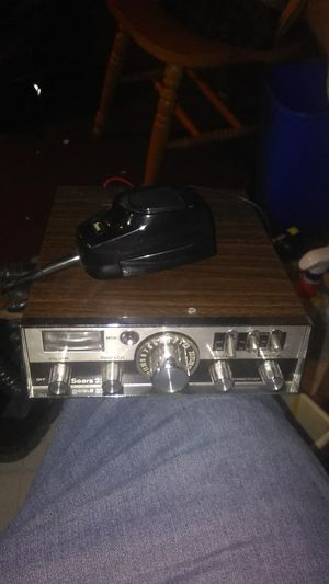 Vintage Sears CB radio. #23. Very Good working Condition. NEGOITABLE for Sale in Lincoln Acres, CA