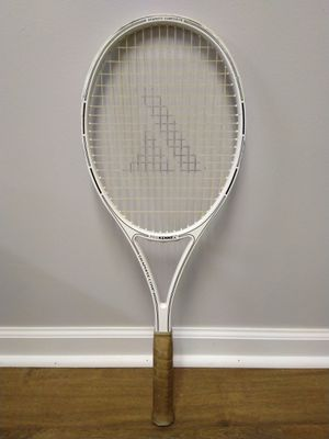 ProKinnex tennis racket size 4.5 for Sale in Naperville, IL