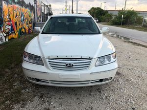 2009 Hyundai azera for Sale in Miami, FL