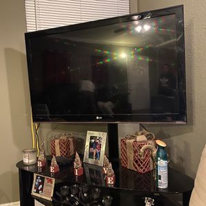 """47"""" LG Tv With Stand Included for Sale in Hesperia, CA"""