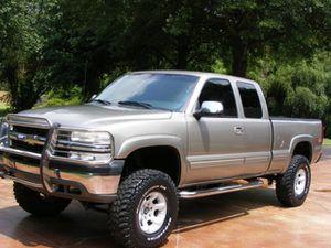 Price$1OOO Silverado 2000 for Sale in Grand Prairie, TX