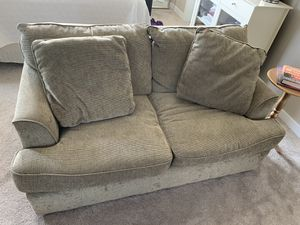 Loveseat for Sale in Redmond, OR