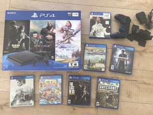 Brand new PS4 with 2 controllers and 7 games for Sale in Miami, FL