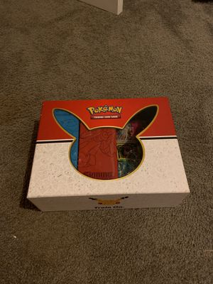 Lot of Pokémon Cards (1,500+) AND 3 Tins for Sale in Zephyrhills, FL
