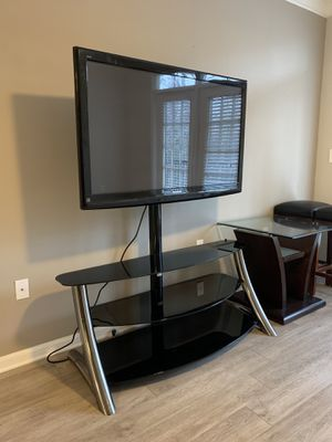 "50"" Panasonic TV and console table for Sale in Atlanta, GA"