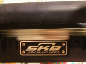 5 string Schecter bass guitar for Sale in Northwood, OH