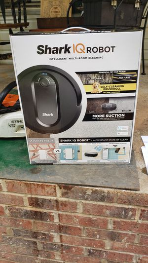 BRAND NEW SHARK VACUUM NEVER USED!!!!! for Sale in Pickens, SC