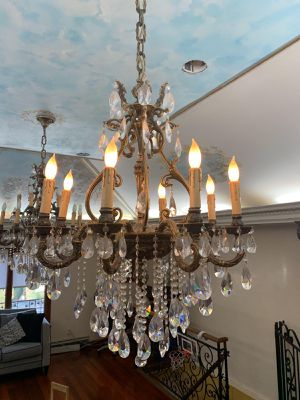 Beautiful 8 Light Brass and Crystal Chandelier for Sale in Brooklyn, NY