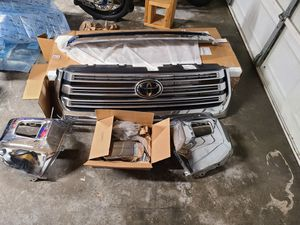 2019 Toyota Tundra Grille & Bumper Ends for Sale in Port Orchard, WA