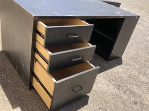 Executive style office desks for Sale in Las Vegas, NV