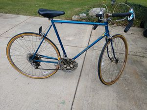 27 inch Schwinn bicycle for Sale in Roselle, IL
