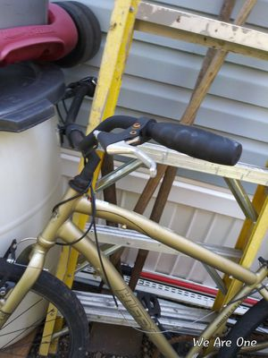 """Huffy Mountain Bike 27"""" tires for Sale in Chicago, IL"""