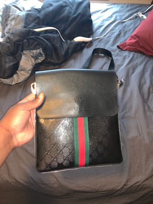 Gucci Fanny pack for Sale in Sturtevant, WI