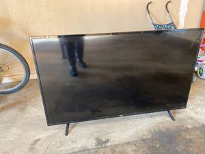 TCL ROKU TV 4k . 55 inches (video doesn't works) for Sale in Schaumburg, IL