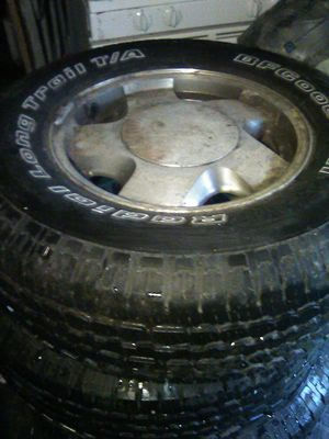 4 rims and tires 6 lug for Sale in Chicago, IL