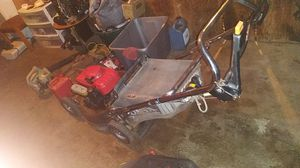HONDA HRR 216 COMMERCIAL LAWN MOWER for Sale in Tulare, CA