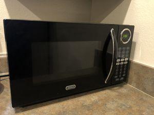Sunbeam Microwave 900watts for Sale in Seattle, WA
