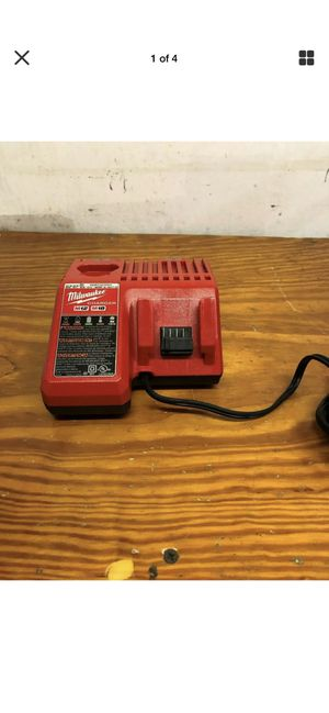 Milwaukee M18 & M12 Multi Voltage Battery Charger for Sale in Hilo, HI
