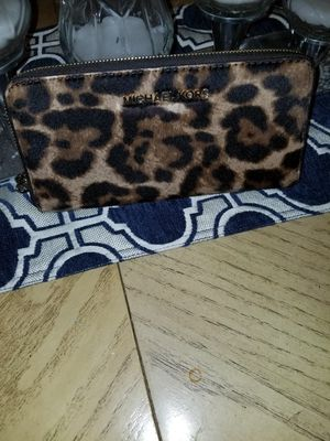 Michael Kors purse for Sale in Valley Stream, NY