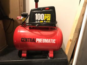 Central pneumatic air compressor for Sale in Gaithersburg, MD
