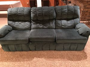 Lane split sofa/recliner-aqua green No smoking/No pets for Sale in Harrison City, PA