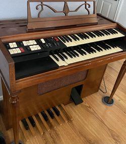 Free Working Electric Organ for Sale in Everett, WA