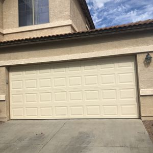 16x7 Standard Garage Door for Sale in Tolleson, AZ