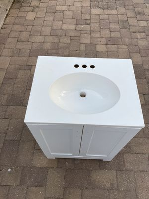 Bath cabinet for Sale in TWN N CNTRY, FL