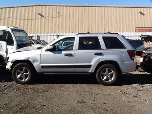 2007 jeep Laredo 4x4 PARTS for Sale in Philadelphia, PA