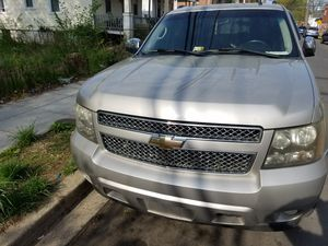 08 chevy avalanche parts only for Sale in Capitol Heights, MD