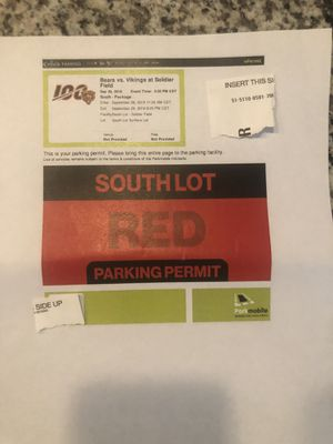 BEARS VS VIKINGS & ALL SEASON LONG SOUTH LOT PARKING for Sale in Chicago, IL