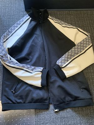 Gucci pullover jacket size XL for Sale in Arlington, VA