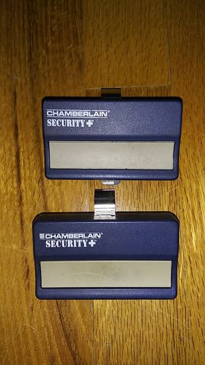 To Chamberlain Security Plus remote controls for Sale in Columbus, OH