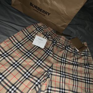 Burberry Shorts Sz. M for Sale in Las Vegas, NV