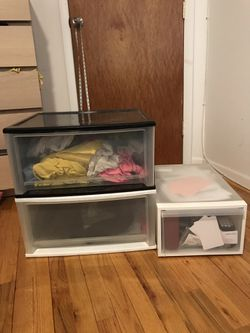 3 plastic storage drawers for Sale in Queens,  NY