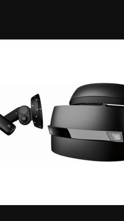 HP Mixed Reality Headset & Controllers for Sale in Annandale,  VA