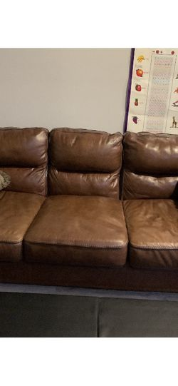 Leather Sofa. good Condition $250.00 dollars for Sale in Falls Church,  VA