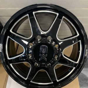 XD Wheels for Ford F-350 Super Dually 20x8.25 BP:8x170 (1999-2007) for Sale in Tampa, FL