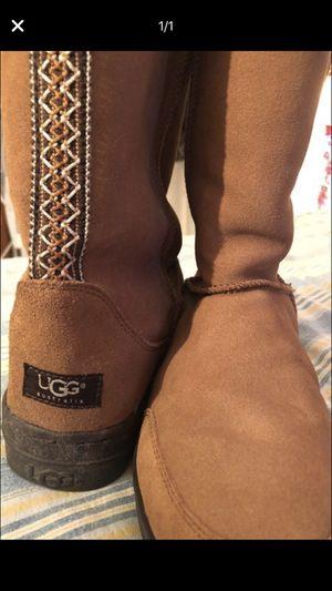 Like new size 9 UGG'S for Sale in Orinda, CA
