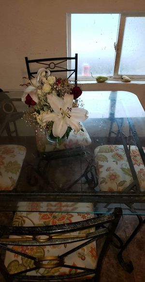 dining table for Sale in Livingston, CA