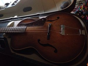 Godin 5th avenue acoustic guitar for Sale in Meriden, CT