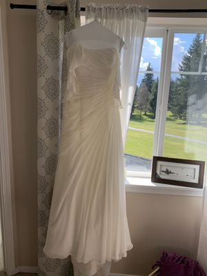 Ivory wedding dress from David's Bridal size 12 for Sale in Tacoma, WA