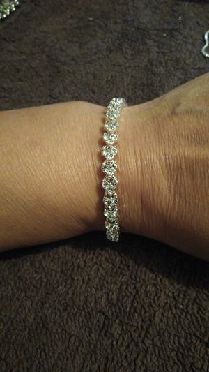 Brand new silver ladies bracelet with hearts for Sale in San Antonio, TX