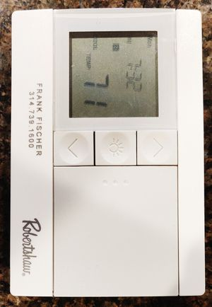 Robertshaw programmable thermostat model RS3110 for Sale in St. Louis, MO