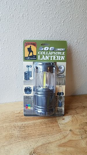 600 LUMENS COLLEPSIBLE LANTERN 9 POWERFUL WATTS for Sale in Los Angeles, CA