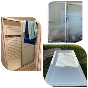 Bathroom slide door and bottom for Sale in Orlando, FL