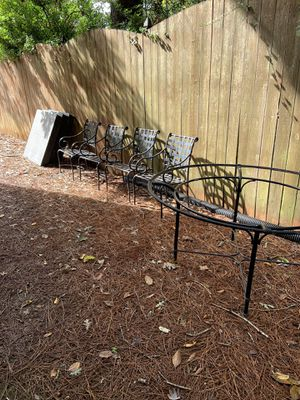 Brown & Jordan table and 6 chairs for Sale in Decatur, GA